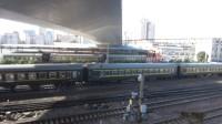 陇海铁路/京广铁路(在郑州解放路桥拍车)—K125次交汇K820次