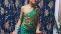 刘美仁琪的傣族舞蹈《傣乡情》