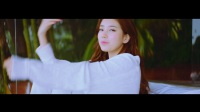 SUZY  HOLIDAY (Feat. DPR LIVE)' MV