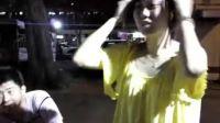 三个美女在大街调戏一男{雪琳琳-刨根问底}剧组跟踪采访