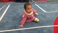 小宝宝爬 爬行 小宝宝参加活动