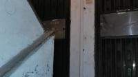 新港宿舍楼梯口