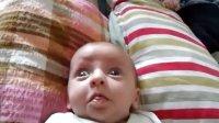 【时光】小宝宝一个突然的鬼脸让人彻底笑翻!