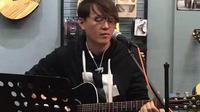 王飞木吉他弹唱《天龙八部》主题曲【难念的经】缅怀金庸先生