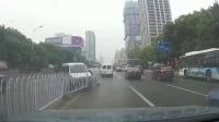 交通事故集锦46助你提高安全意识: 转自交通事故video: 侣途帮