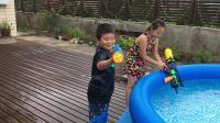 【7岁】8-5哈哈暑假在崇明跟小朋友一起打水枪IMG_0814.MOV