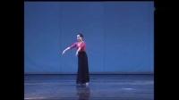 北京舞蹈学院朝鲜族舞古格里训练,综合性组合!基本体态和舞步,都有涉及进行部分训练、主要还是要学生掌握上下身的动律和气息的运用!_高清