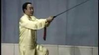 32式杨式太极剑教学片第二段(陈思坦示范,李德印讲解)