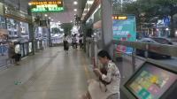 B01路公交车进长堽燕子岭路口(十九中)站