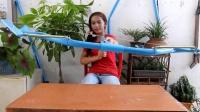 [汤氏渔具】女孩用PVC管做弓箭射鱼