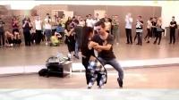 舞步与舞曲《娱乐健身舞》(中外融合)