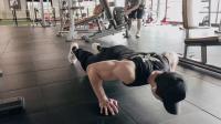 胸部训练-标准俯卧撑