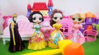 王后带着三位公主来玩游戏,不仅可以增加知识量,还可以学习新的成语