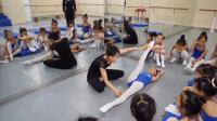 舞蹈课堂上如何表扬学生基本功做得好-凤舞课堂教学实录