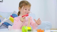 Hape幼儿期拖拉推推乐学步骑行车玩具系列