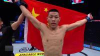 【UFC格斗岛 | 八角笼采访】主赛:李景亮KO彭兹尼比奥