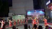 """舞蹈《北京的金山上》马山金秋文娱活动中心参加庆祝""""八·一""""建军节联欢晚会演出。"""