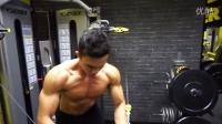 Gymshark官方模特George Butler胸肌训练激励视频,超低体脂,完美胸沟