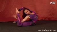 国外美女柔术表演