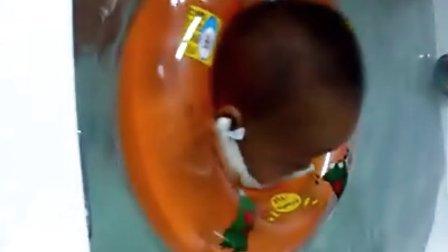 VID_20131214_131706七个月17天小小运动员游泳