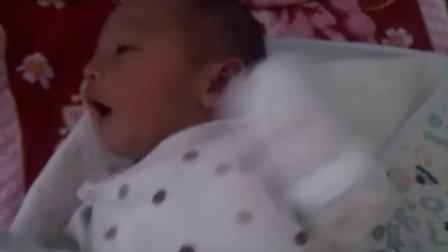 5.17出生第6天拍了一段视频,宝宝的。