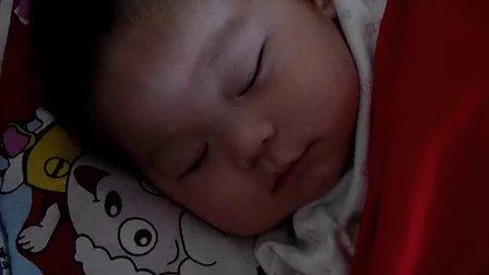 宝宝睡醒了