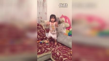 跳舞(两岁一个月)