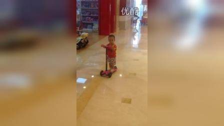 宝宝滑板车