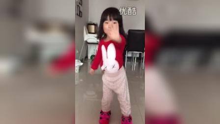 跳舞(两岁四个月)