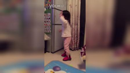 爱跳舞的小姑娘,各种动作(两岁四个半月)