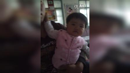 video-2014-10-02-16-10-40  太萌了  跳跳舞就逗飞~