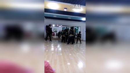 儿子跳舞2.tmp