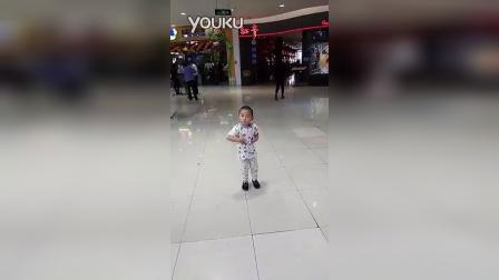 二周岁半宝宝版小苹果_高清