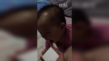 20150212妹妹调皮玩泡沫