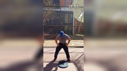 野兽极限力量俱乐部大力士专项训练张冉抛10KG 杠铃片3米5过杠