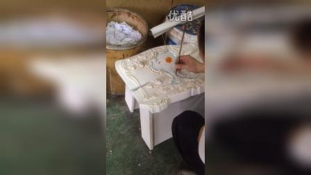Live drawing on exorbitant furniture in Shanghai