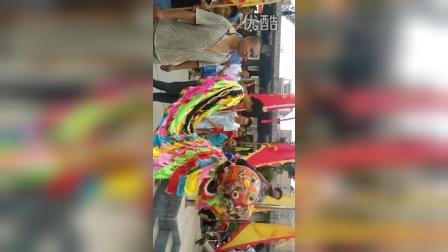 西牛丘氏宗祠进火舞狮VID_20150819_111451