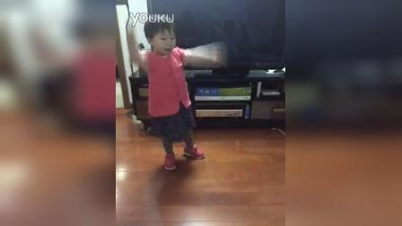 菲菲跳舞27个月