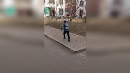 VID_20160328小国庆四周岁半上学路上