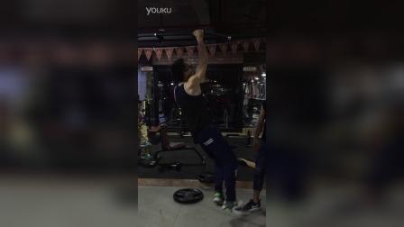 单臂引体向上10个