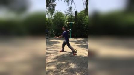 北京棍舞宋迪龙  周六龙潭湖双节棍聚会随性表演