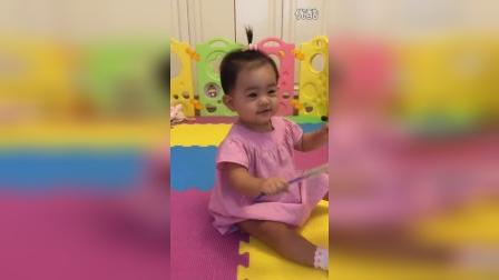 晴晴三笑喜迎中秋,宝宝给大家问好了!
