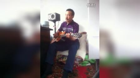 老爸在轻弹吉他