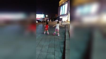 在河南新乡学习溜冰VID_20160731_211750