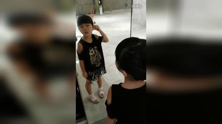 小美女在臭美VID_20160807_111750
