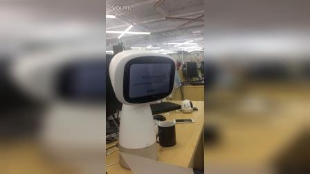 ROOBO商用机器人演示J2同声传译现场演示