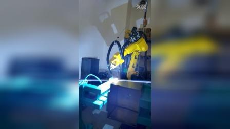 麦格米特焊机图灵机器人箱体类焊接请联系17316588809