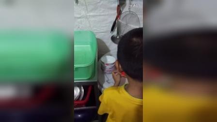 VID_20160909_宇鑫帮忙洗碗