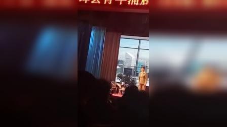 薛青玉,段更果,岳波,景静茹,卢红芳领衔主演,新绛县青年蒲剧团以阵容强大的团体展现在大家面前。