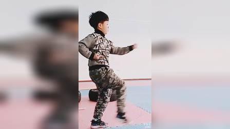 初学武术樊同学
